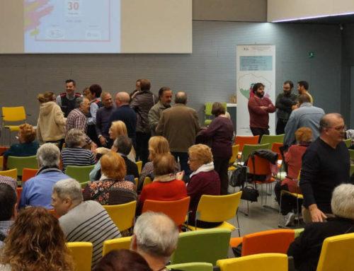"""La FAVGram despedeix la celebració """"dels seus 25 anys""""  amb un debat i un homenatge a 44 activistes veïnals"""