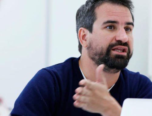 """Entrevista a Celso Pérez, adjunt de direcció d'Aporta: """" Les comercialitzadores afegeixen als contractes serveis extres tant de llum com de gas, que la persona usuària desconeix i no fa servir, però paga""""."""